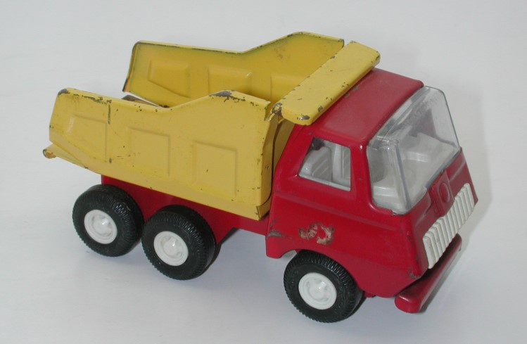 dating tonka trucks Mighty tonka trucks are very collectible, especially the first generation mightys, 1964-1972 keep in mind that tonka has, over the years, manufactured millions of mighty tonka models however, there are some models that were only around for a couple of years or produced in limited quantities.