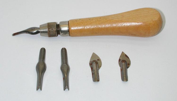 Speedball linoleum cutters in original box excellent wood