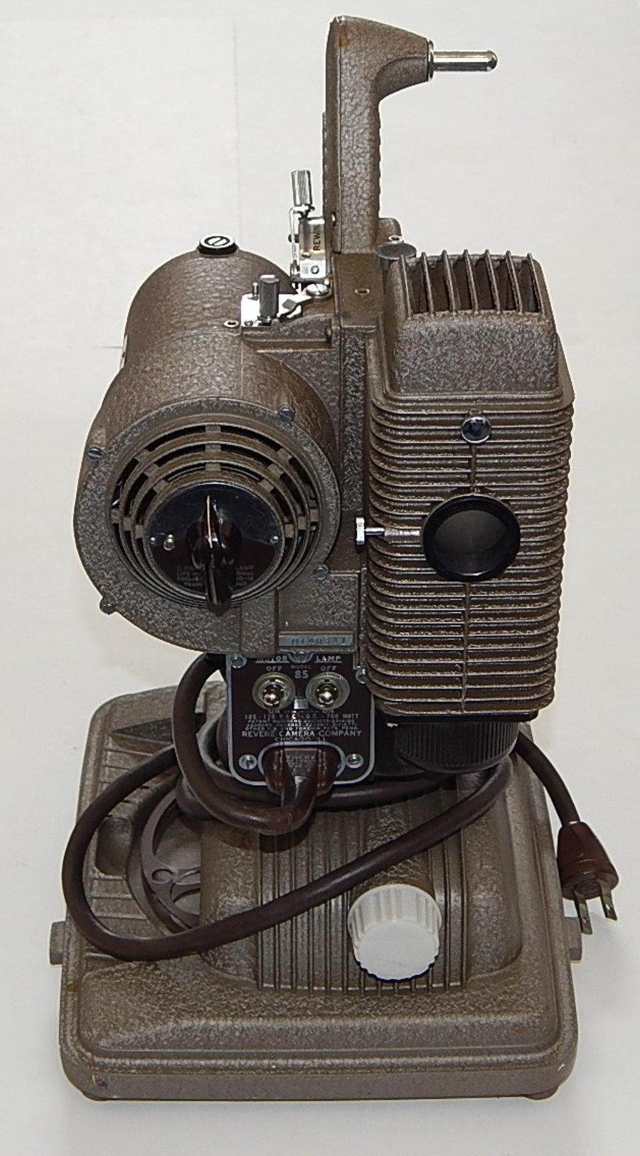 Vintage 1940s Revere Model 85 8mm Film Projector W Case