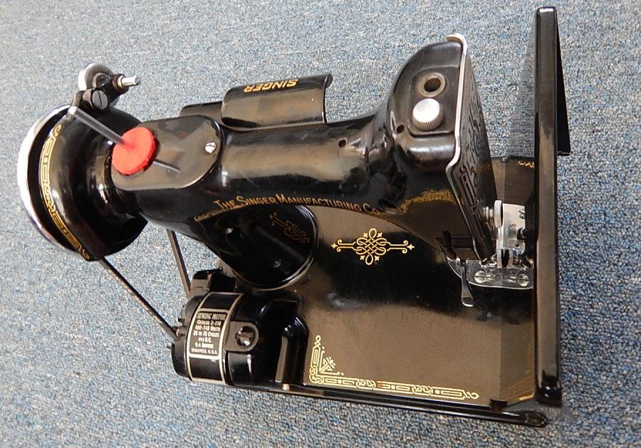 1939 singer featherweight sewing machine
